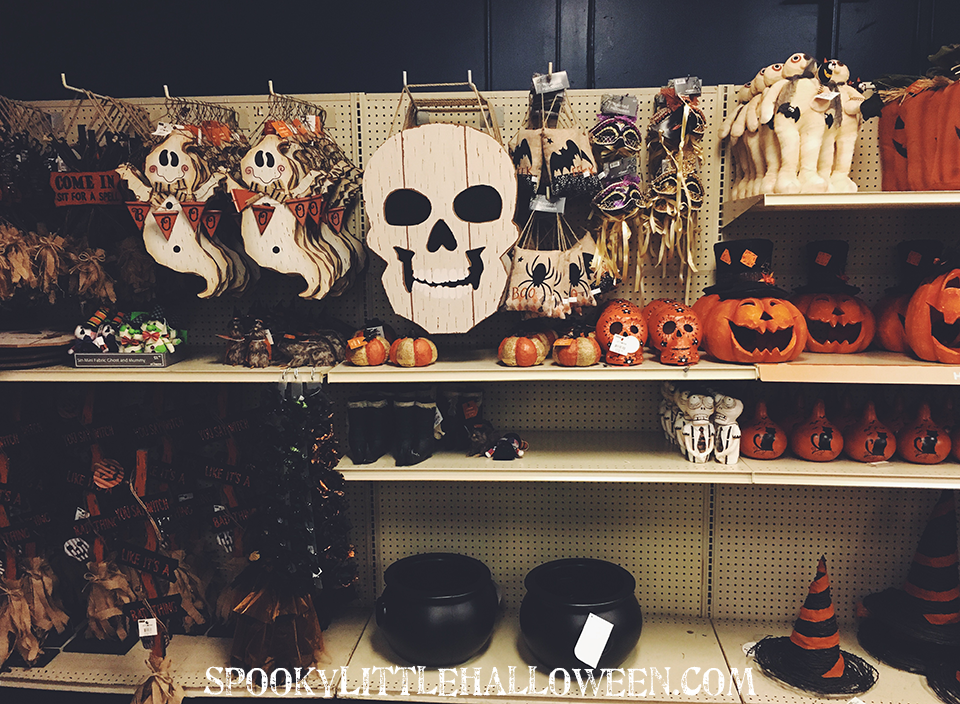 First Look: At Home Halloween 2016 - Halloween 2016 collections are starting to pop up in stores! Here is your first look at At Home's 2016 Halloween collection + resource links. | spookylittlehalloween.com
