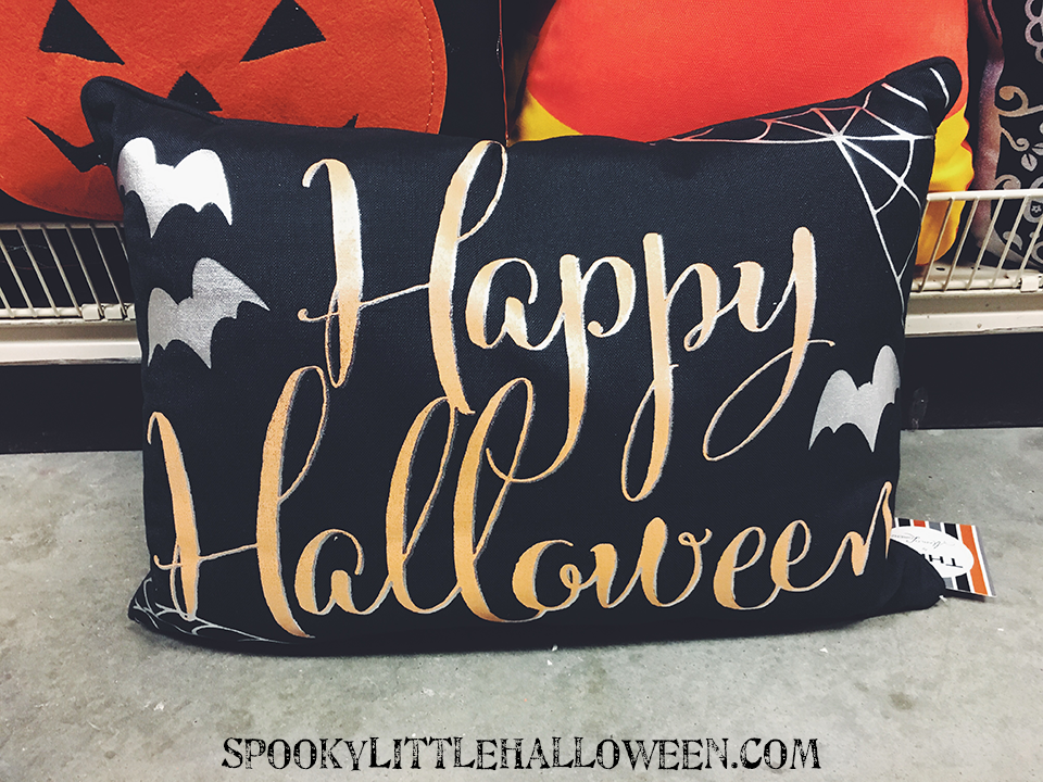 happy-halloween-pillow