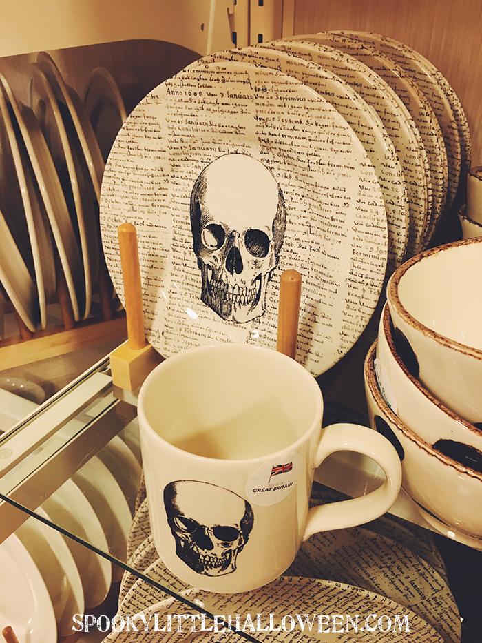 skull-plate & First Look: HomeGoods Halloween 2016 - Spooky Little Halloween