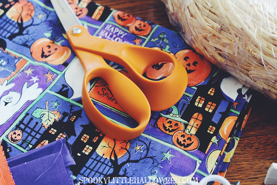 It's never too early to work on a DIY Halloween decoration, and this no-sew fabric wreath is as easy as it gets. Get the step-by-step instructions.