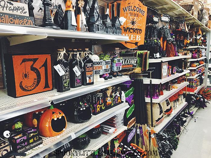 Michaeks 2020 Halloween Miniatures Halloween Hunting: Michaels' Halloween Decor   Spooky Little Halloween