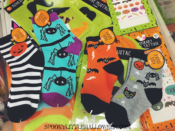 kid socks i didnt see any adult sizesyet - Halloween Target