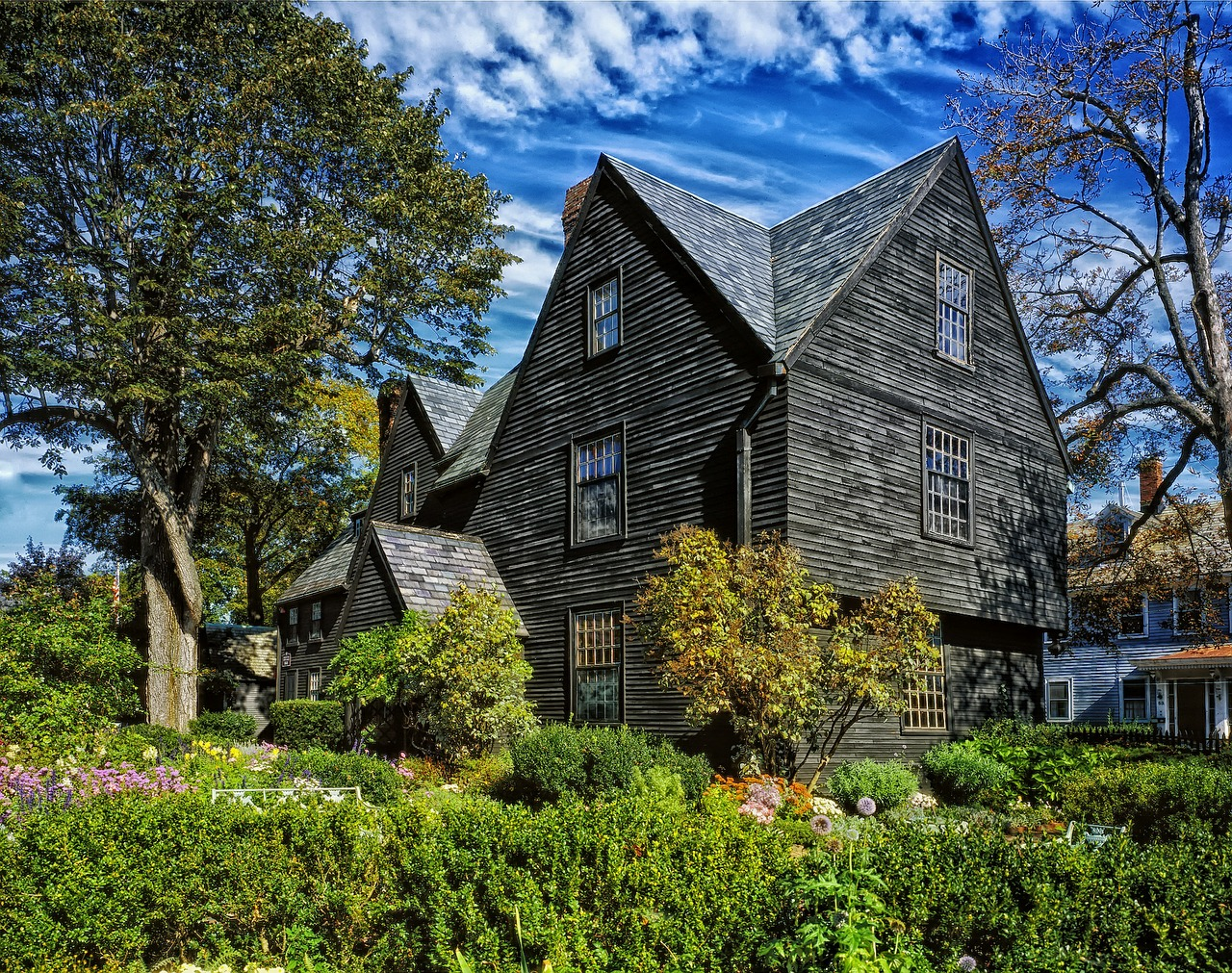 Guest ghoul 15 things to do in salem ma this halloween for Salem house