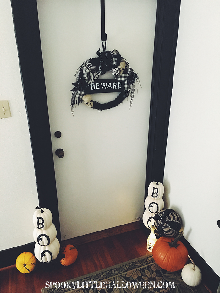 3 super easy ways to decorate for halloween with only 5 for 3 tier pumpkin decoration