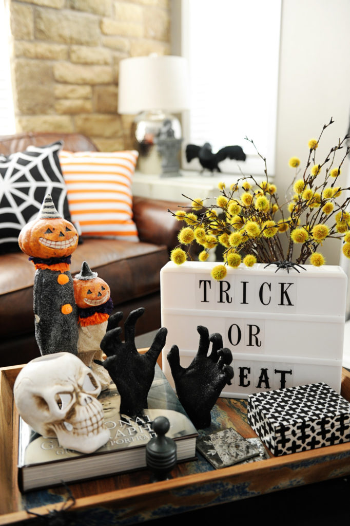 9 killer halloween decorating ideas spooky little halloween. Black Bedroom Furniture Sets. Home Design Ideas