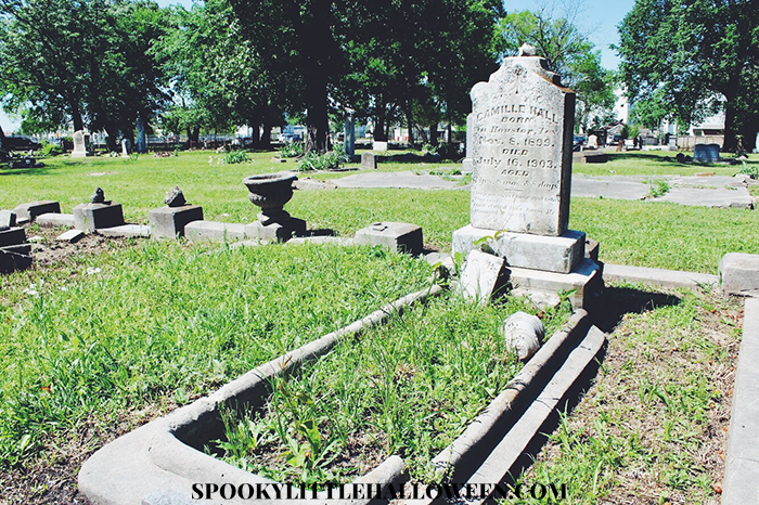 Spooky in the City: Take a tour of Olivewood, one of Houston's historic cemeteries