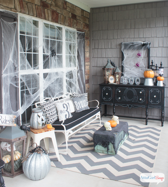 11 Killer Outdoor Halloween Decorating Ideas
