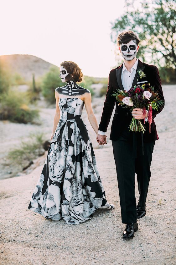 40 stunning halloween wedding ideas spooky little halloween halloween wedding dresses junglespirit Choice Image